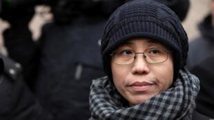 Foto de archivo: Liu Xia, esposa del disidente chino Liu Xiaobo, habla a los medios en Beijing en febrero 11 del 2010.