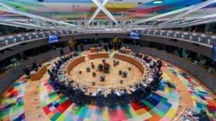 صورة عامة للقادة الأوروبيين في اليوم الثاني من قمتهم في المجلس الأوروبي في بروكسل في 18 تشرين الأول/أكتوبر 2018