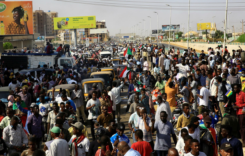 2021-10-21T182417Z_977001137_RC2EEQ9XHQRK_RTRMADP_3_SUDAN-POLITICS