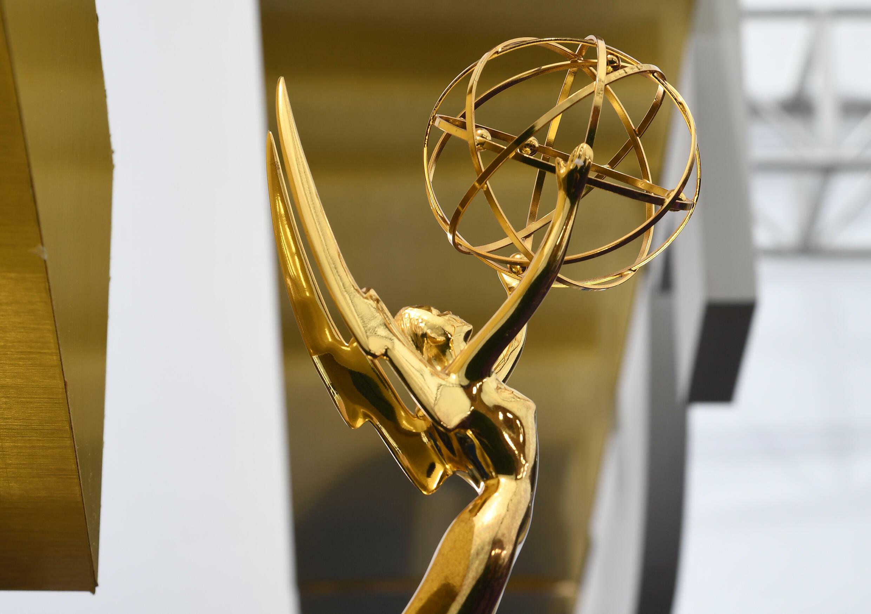 """""""The Crown"""" et """"The Mandalorian"""" en tête de la course aux Emmy Awards avec 24 nominations"""