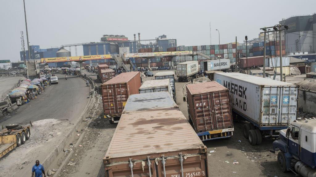 Le port de Lagos est le plus grand port du Nigeria.