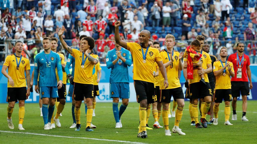 Jugadores belgas saludan a su hinchada tras conseguir la medalla de bronce en Rusia 2018, el 14 de julio de 2018.