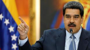 El presidente de Venezuela , Nicolás Maduro, habla durante una conferencia de prensa en el palacio de Miraflores en Caracas, Venezuela, el 9 de enero de 2019.