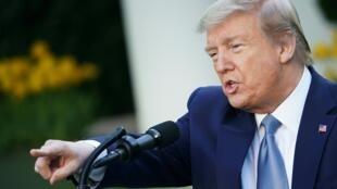 El presidente Donald Trump acusó a los demócratas en el Senado controlado por los republicanos de retrasar las nominaciones de varios altos funcionarios de la administración.