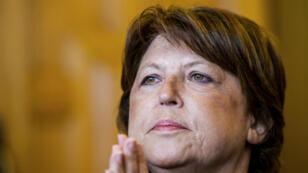 La maire PS de Lille, Martine Aubry, a une nouvelle fois attaqué la politique de François Hollande et Manuel Valls.