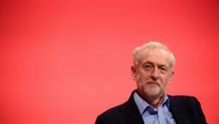 Le leader du Labor Jeremy Corbyn est accusé par plusieurs membres de son parti de ne pas avoir réussi à convaincre les Anglais de voter en faveur du maintien du Royaume-Uni au sein de l'Union européenne.