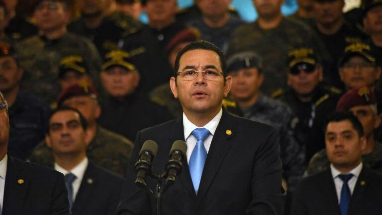 El presidente guatemalteco, Jimmy Morales, da una conferencia de prensa en Ciudad de Guatemala, el 31 de agosto de 2018.