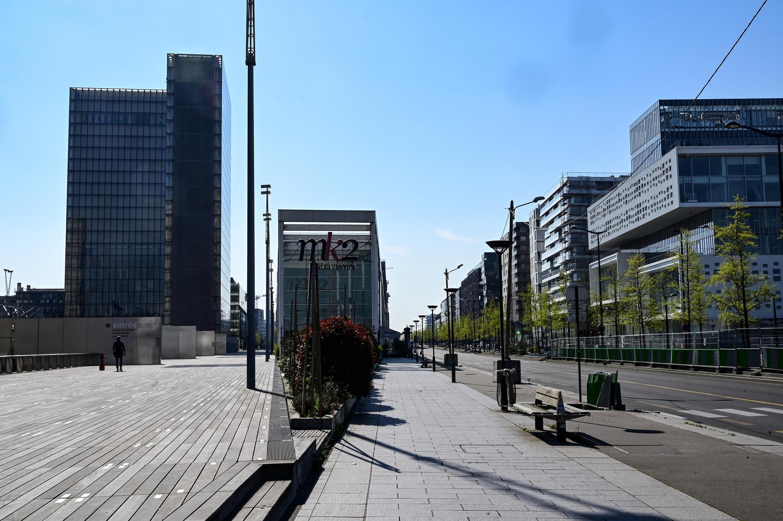 Una calle vacía en el distrito de la Biblioteca Nacional de Francia, el 8 de abril de 2020 en París