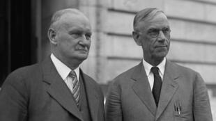 En 1929, les républicains Willis Hawley (à gauche) et Reed Smoot ont fait passer des droits de douane qui ont engendré une guerre commerciale catastrophique pour les États-Unis.