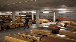 spian-coffins