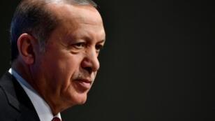 """الرئيس التركي أشاد في الدوحة بـ""""أهمية أن تتحرك الدول المسلمة في شكل موحد"""""""