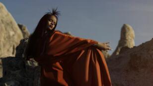 """Rihanna dans le clip """"Sledgehammer"""" tourné en caméras IMAX pour la BO de """"Star Trek Beyond""""."""