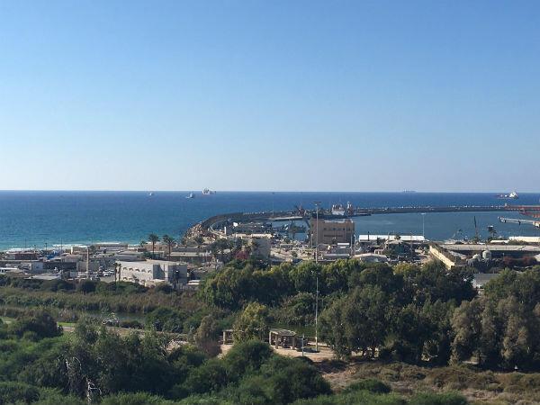"""ميناء أشدود الإسرائيلي الذي يتوقع اقتياد السفينة """"زيتونة"""" إليه"""