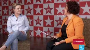 La senadora brasileña, Gleisi Hoffmann, en una entrevista con la cadena France 24.