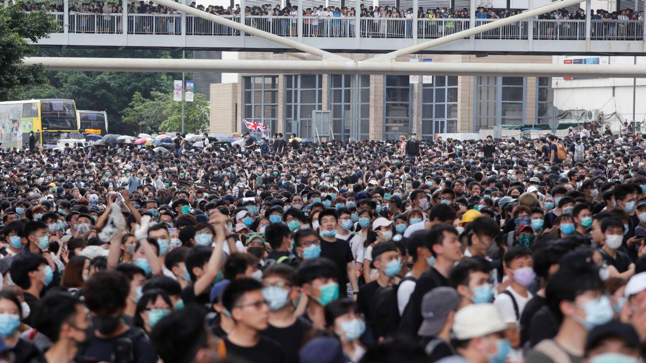 Una multitud protesta en contra del proyecto de ley que busca aprobar la extradición a China continental. Hong Kong, 12 de junio de 2019.