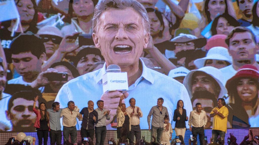 Archivo: Mauricio Macri celebra su victoria desde la sede de la coalición Cambiemos, el 22 de noviembre de 2015.