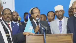 """Le nouveau chef de l'État somalien, Mohamed Abdullahi """"Farmajo"""", après sa victoire à la présidentielle mercredi, à Mogadiscio."""
