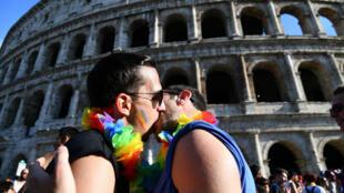 Les familles homosexuelles ont profité de la Gay Pride pour adressé un message au nouveau gouvernement qui doute de leur existence.