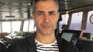 بوعلام غبشي صحفي بموقع مهاجر نيوز