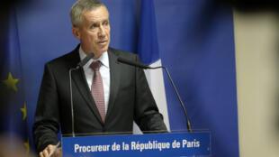 Le procureur de Paris, François Molins, a détaillé l'arsenal que possédait Ayoub el-Khazzani lors de l'attaque du Thalys Amsterdam-Paris.