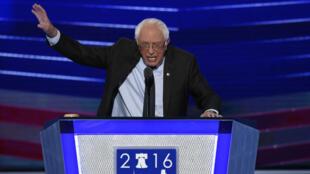 Bernie Sanders lors de la convention du parti démocrate à Philadelphie, lundi 25 juillet.