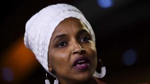 À 37 ans, Ilhan Omar incarne le visage de l'Amérique démocrate et symbolise le rêve américain de nombreux immigrants.