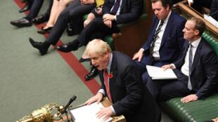 El primer ministro británico, Boris Johnson, habla en la Cámara de los Comunes. Londres, Reino Unido, el 29 de octubre de 2019.
