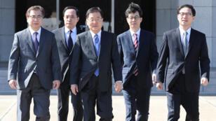 El grupo de surcoreanos cenará con Kim Jong-un y al día siguiente debería reunirse con otro alto responsable.