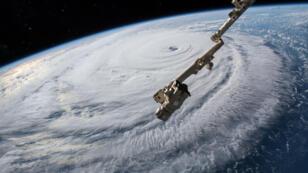 Vista desde la Estación Espacial Internacional del huracán Florence mientras cruza el océano Atlántico en dirección hacia la línea costera del este de Estados Unidos. 12/09/2018.