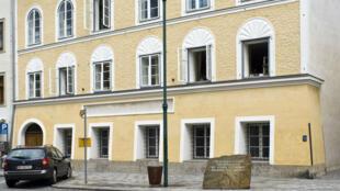 Vue de la maison où Adolf Hitler est né.