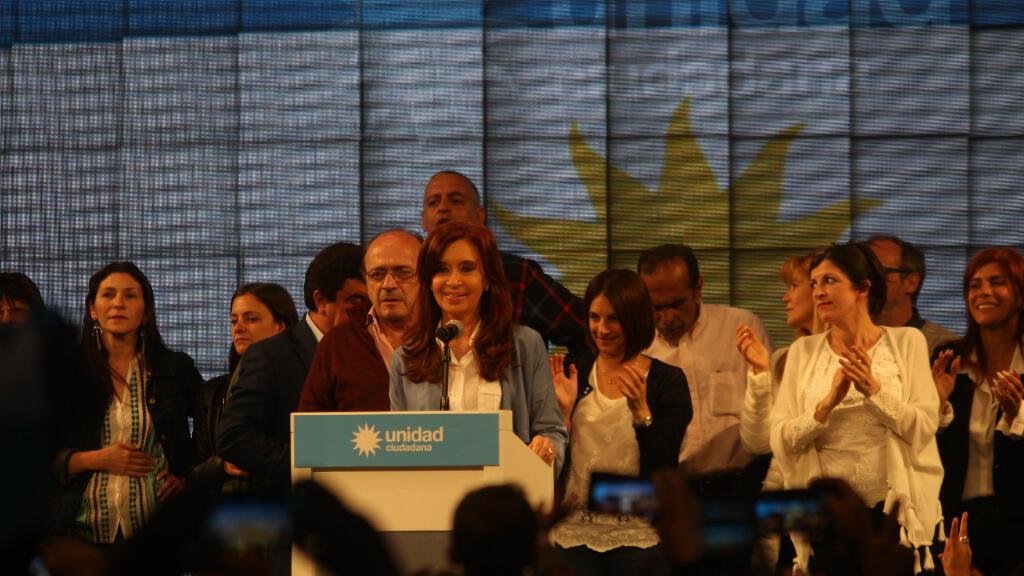 La expresidenta argentina Cristina Fernández se pronunció tras la entrega de los primeros resultados electorales, en la sede de su frente, el de la Unidad Ciudadana.