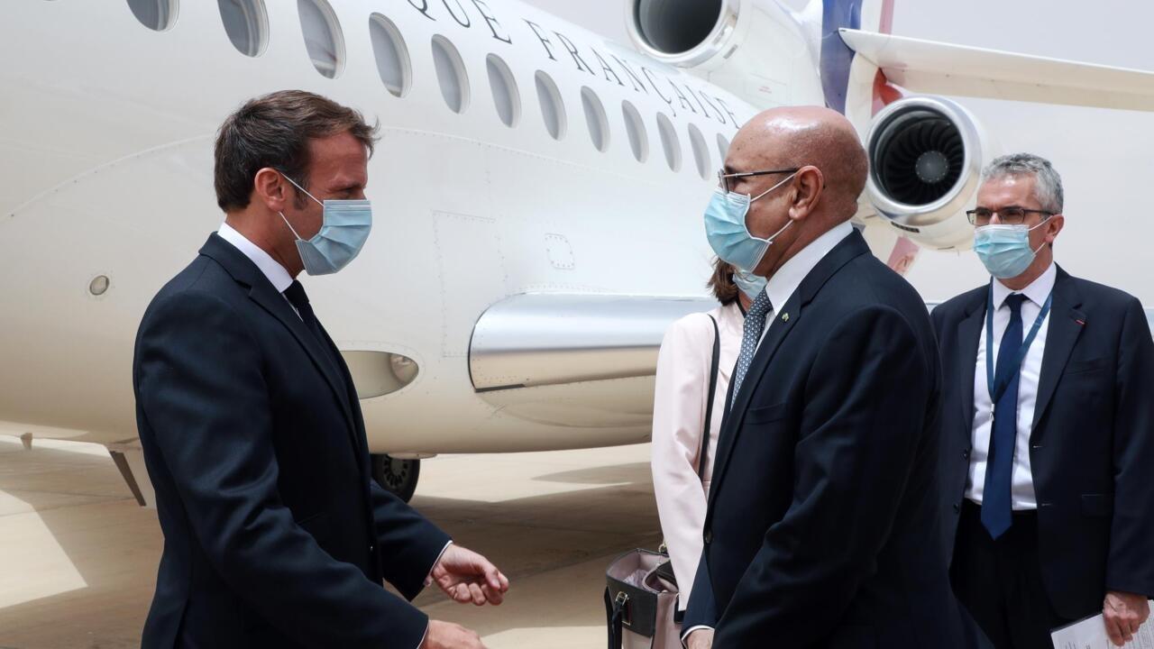 France and Sahel leaders hold summit on anti-jihad campaign