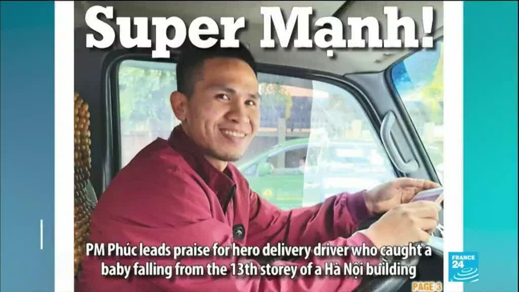 2021-03-03 17:13 'Super Manh' delivery driver catches toddler falling from 12th-floor balcony in Vietnam