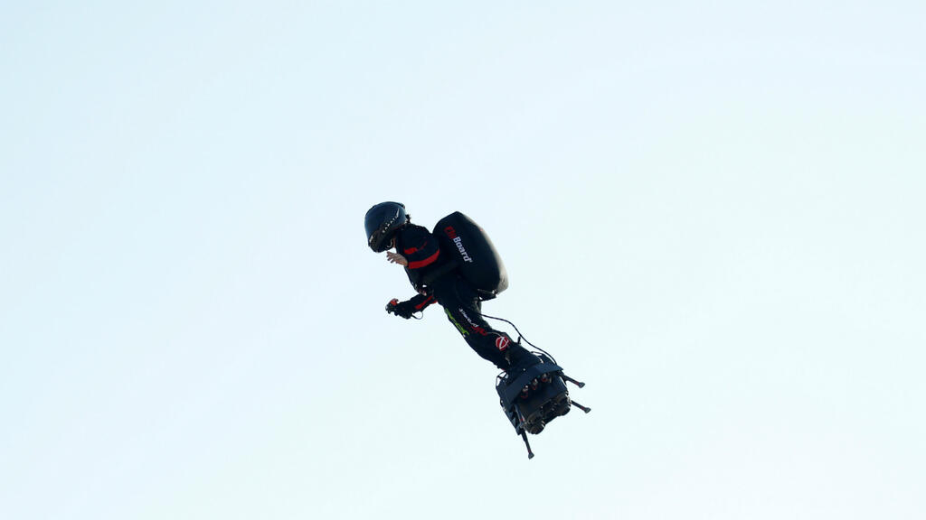 French 'flying man' Zapata readies second Channel crossing