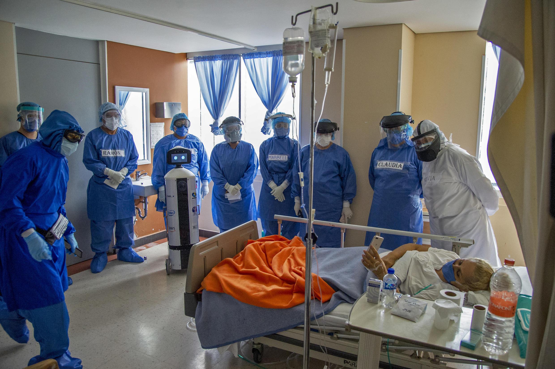 مستشفى في العاصمة المكسيكية مكسيكو يتكفل بالماصابين بفيروس كورونا.