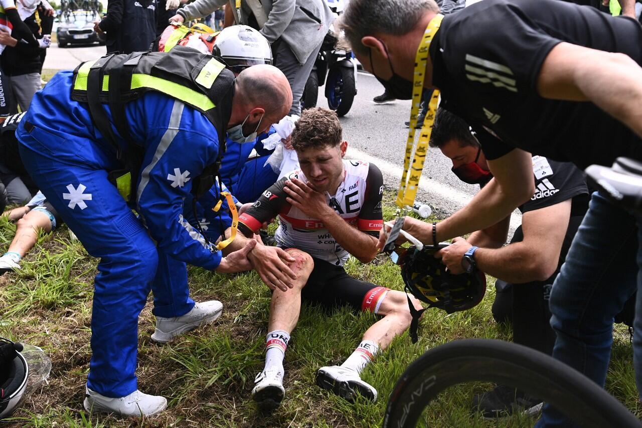 Tour de France crash Brest Landerneau