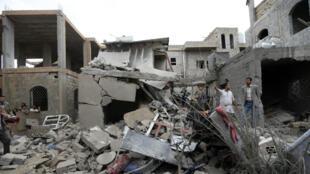 Un imeuble touché par des bombardements à Sanaa, en juin 2017.