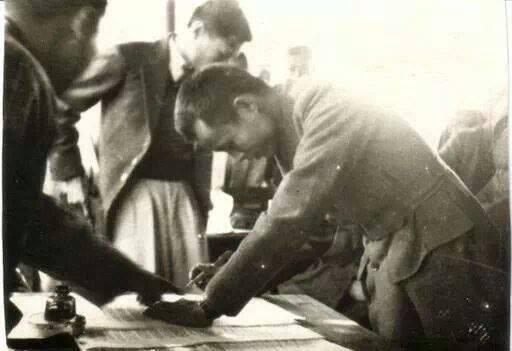Aung San signs the Panglong Agreement on February 12, 1947.