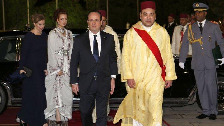 الملك محمد السادس برفقة الرئيس الفرنسي فرانسوا هولاند في نيسان/أبريل 2013
