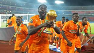 L'équipe de la Côte d'Ivoire célèbre sa victoire en finale de la CAN-2015.