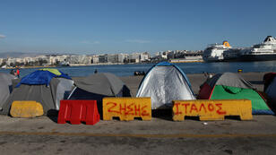 Plus de 5500 migrants étaient entassées sur le port du Pirée, près d'Athènes, début avril.