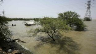 El 15 de agosto de 2016, la capital de Sudán, Jartum, sufrió la crecida del río Nilo y provocó severos daños en la ciudad.