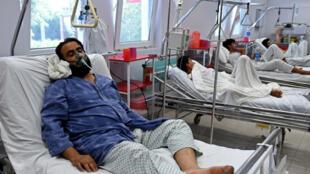 Un employé de Médecins sans frontières, blessé par le bombardement américain sur l'hôpital.