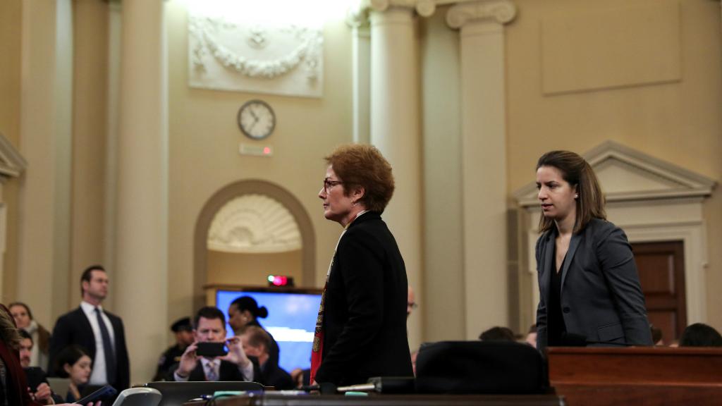Marie Yovanovitch es la tercer testigo que declara públicamente en la investigación contra Donald Trump.
