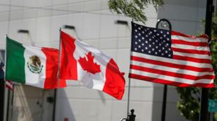 Foto de archivo de las banderas de EE. UU., Canadá y México en Detroit, Michigan, EE. UU. 29 de agosto de 2018.