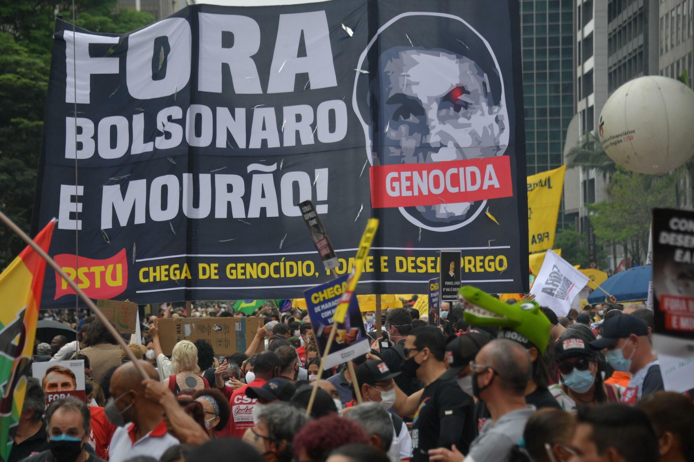 """Decenas de miles de brasileños protestan para pedir """"Fuera Bolsonaro"""" - France 24"""