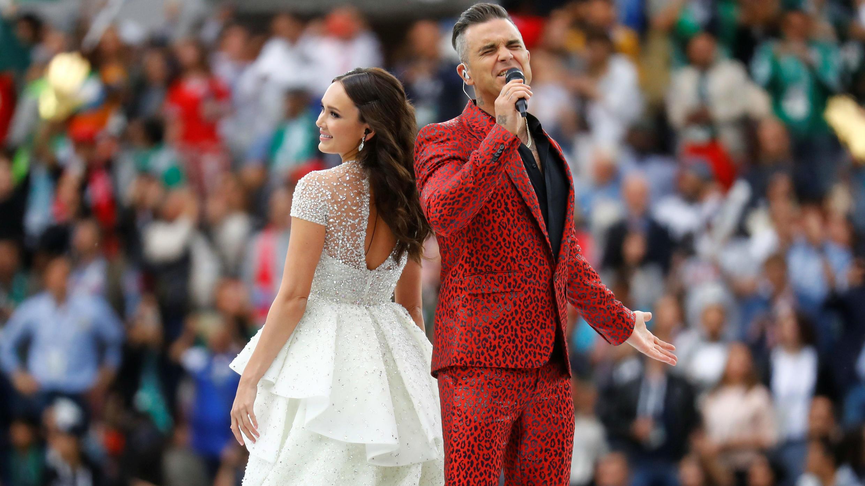 Ambos artistas se unieron en una conmovedora versión de la canción 'Angels' de Robbie Williams.