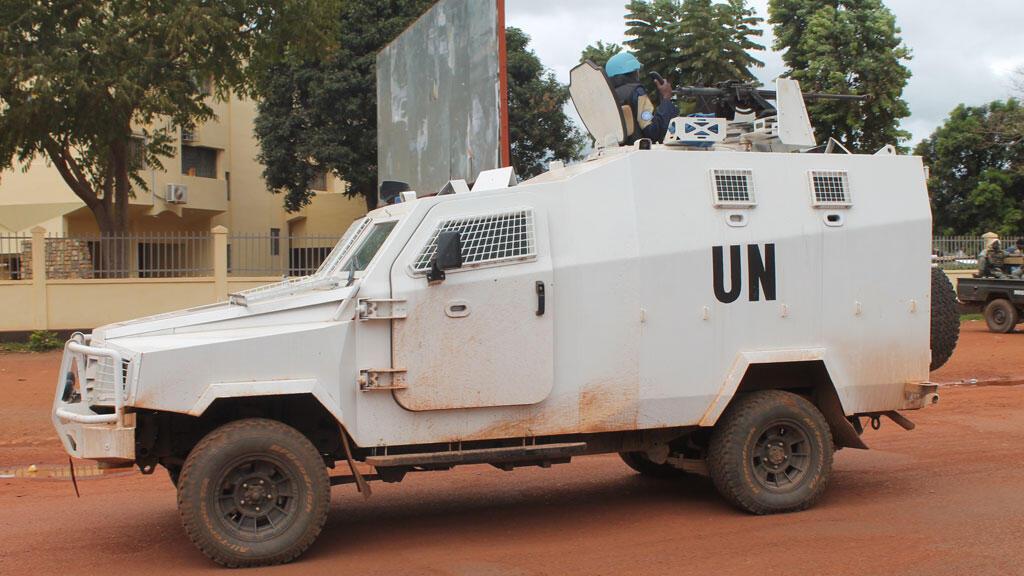 """مدرعة تابعة لقوات حفظ السلام الأممية ب""""بانغي"""" في 11 تشرين الأول/أكتوبر 2014"""