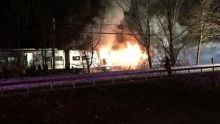 Six personnes sont mortes dans une collision entre un train et une voiture.