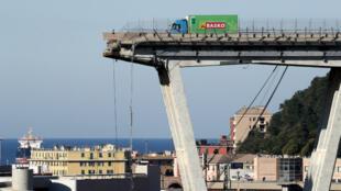 El puente Morandi, tras su derrumbe, en la ciudad portuaria de Génova, Italia, el 15 de agosto de 2018.